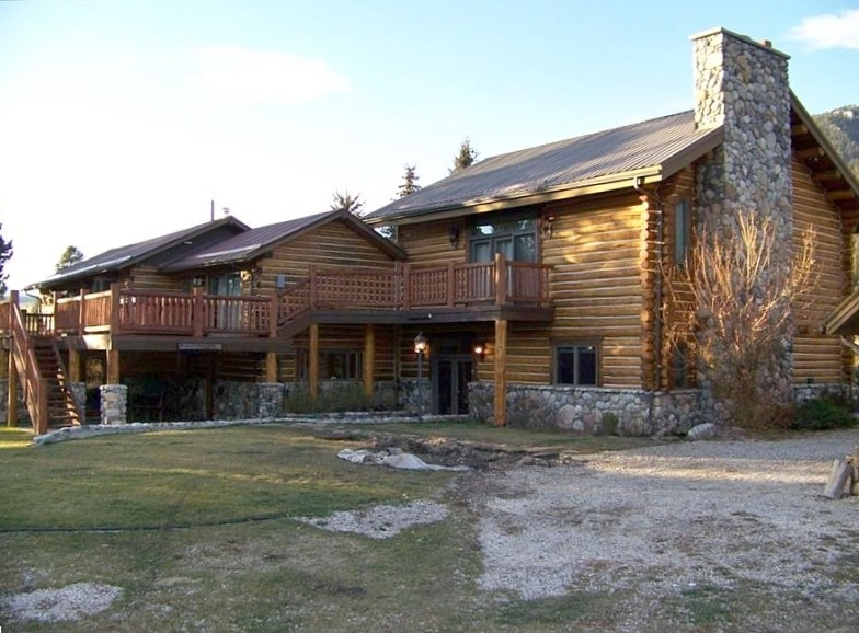 Elk Crossing Big Sky Fishing And Skiing Vacation Rentals